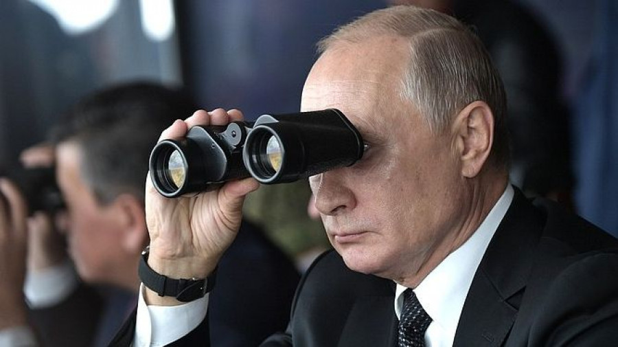 "Владимир Путин на учениях ""Центр-2019""."