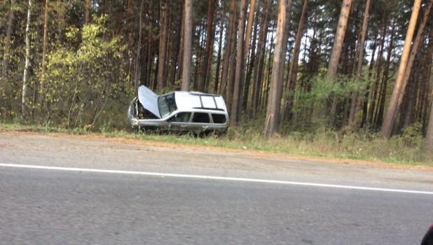 Авто слетело с дороги в Ленточном бору.
