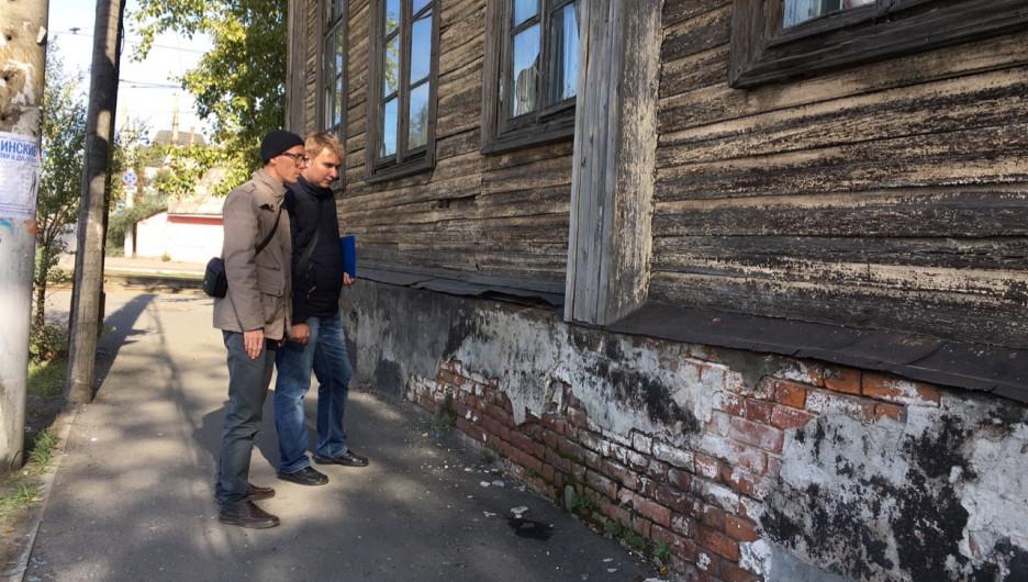 Активисты проверили исторические памятники в Барнауле.