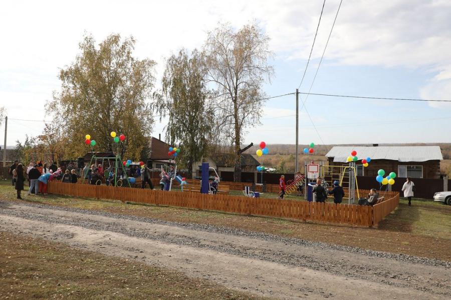 Современная площадка в Северном микрорайоне Заринска.