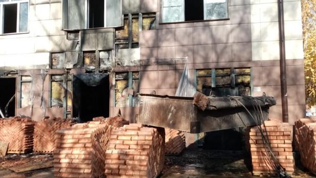 В городе Обь горела больница.