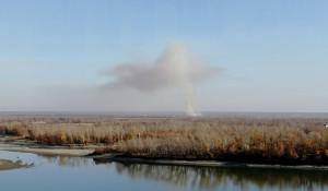 Рядом с Барнаулом горят поля.