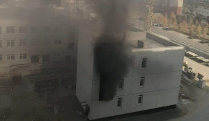 Пожар в строящемся здания в Барнауле.