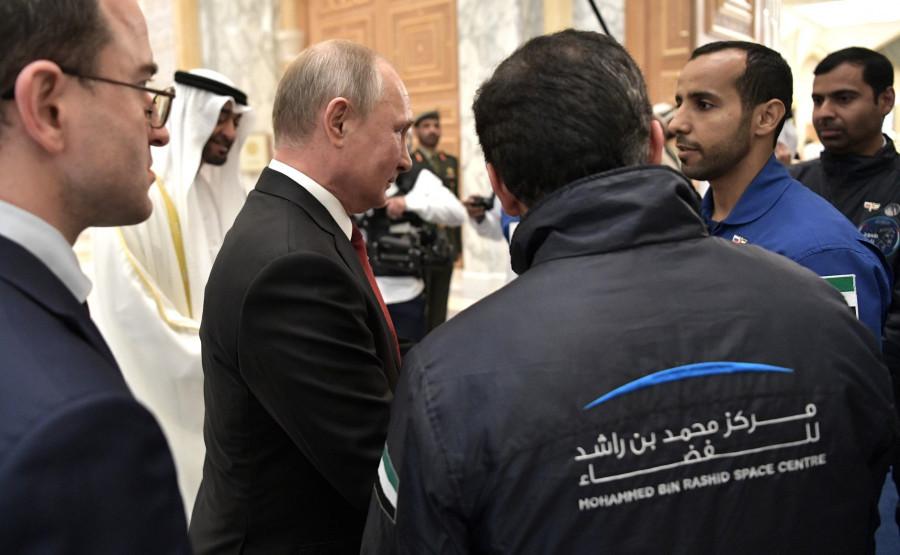 """Путина в президентстком дворце приветствовал """"арабский Гагарин"""""""