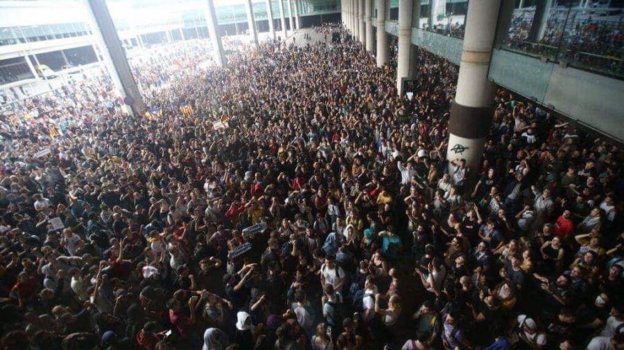Барселона, аэропорт, 14 октября.