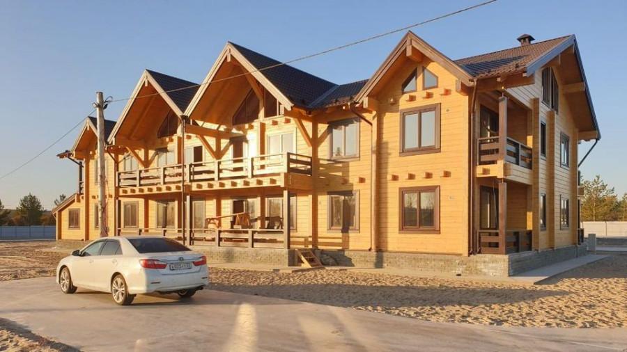 Дом из клееного бруса.