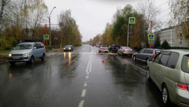 Девочка попала под автомобиль в Горно-Алтайске.