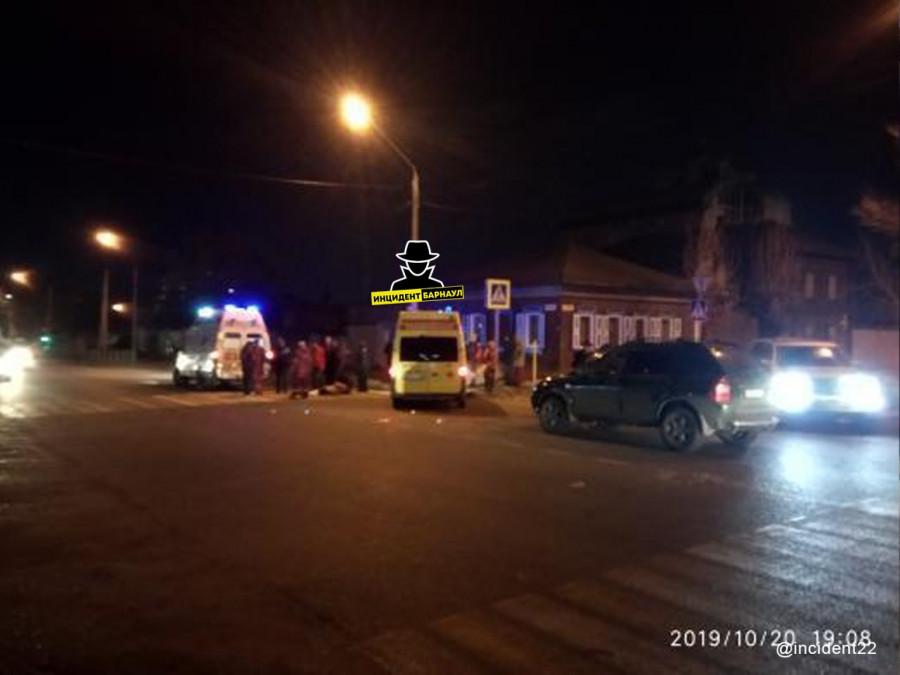 В Барнауле на перекрестке сбили сразу троих пешеходов