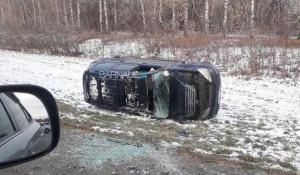 Lexus перевернулся в Барнауле.