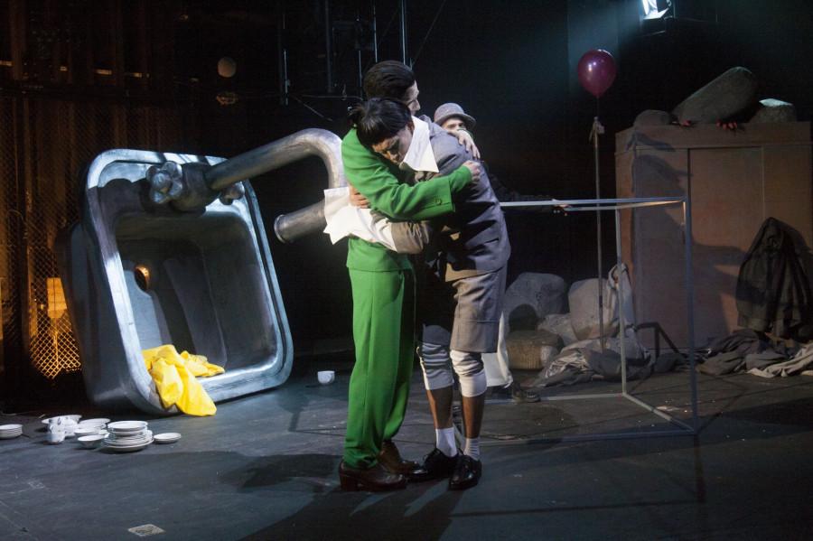 """Спектакль """"Мой папа — Питер Пэн"""" в МТА."""