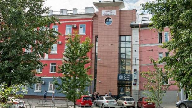 Бывшее здание «АлтайБизнес-Банка» в Барнауле.