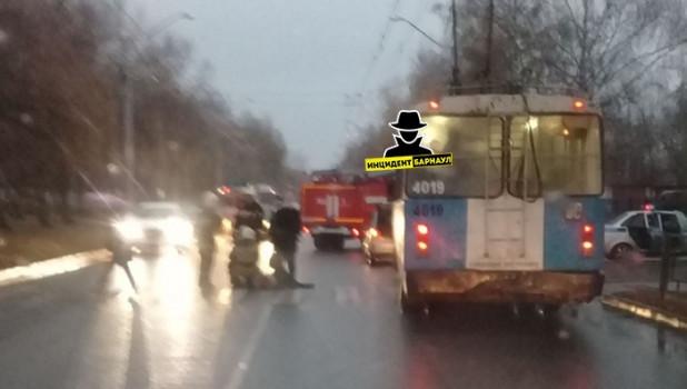 Женщину-пешехода сбили в Барнауле.