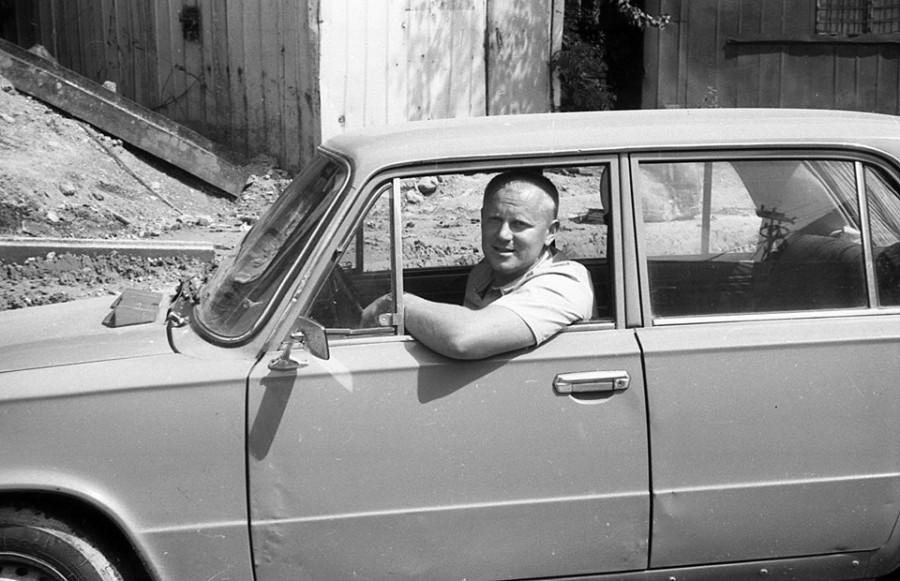 Юрий Гатилов за рулем, 1991 год.