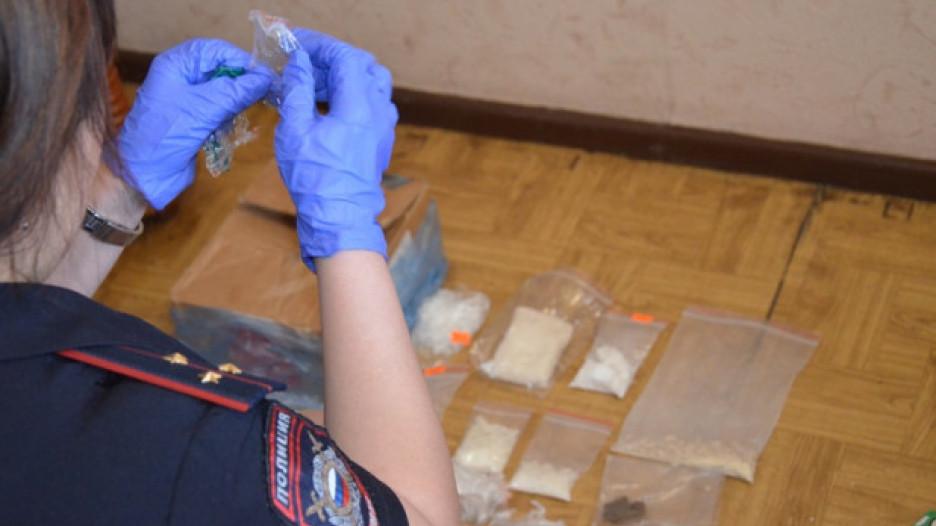 Полицейские изъяли наркотики.
