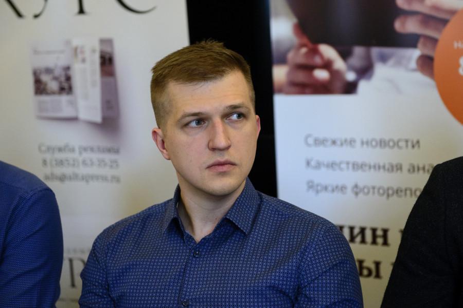 Андрей Комяков.