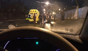 Автомобиль сбил пешехода в Барнауле.
