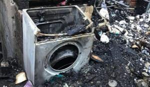 Сгоревший дом в Барнауле.