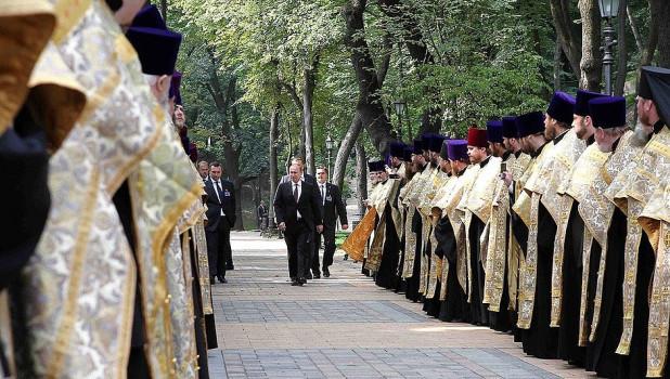 Владимир Путин в Киеве, 2013 год.