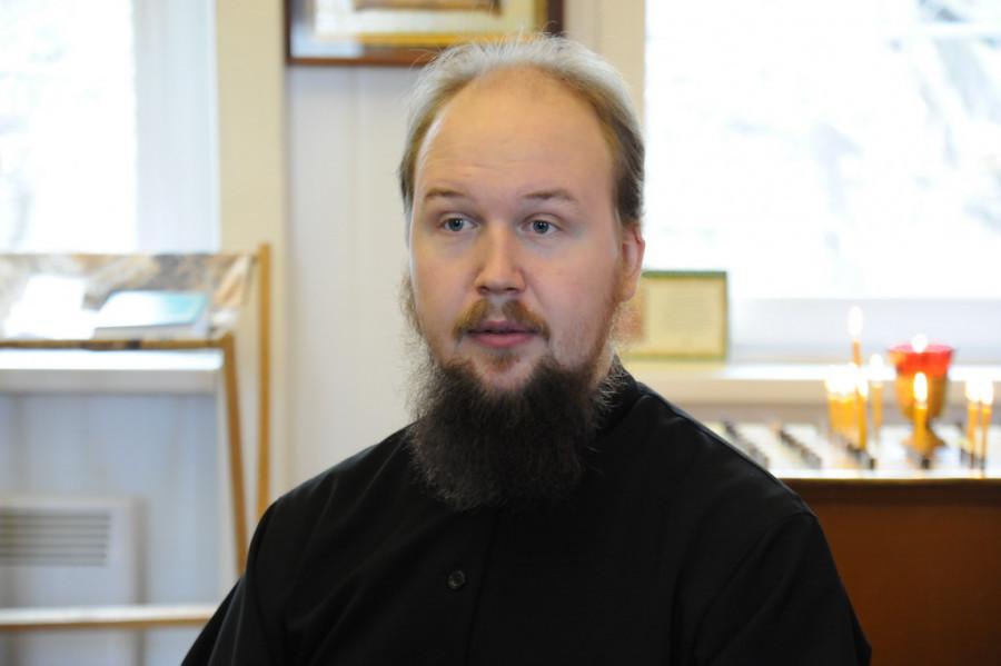 Иерей Роман Неверов.
