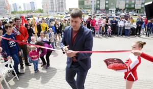 """Дмитрий Иванов на открытии нового ресторана """"Грильница""""."""