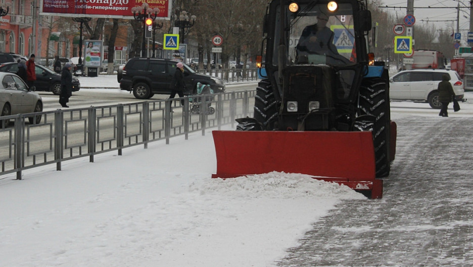Снегоуборочная техника в Барнауле.
