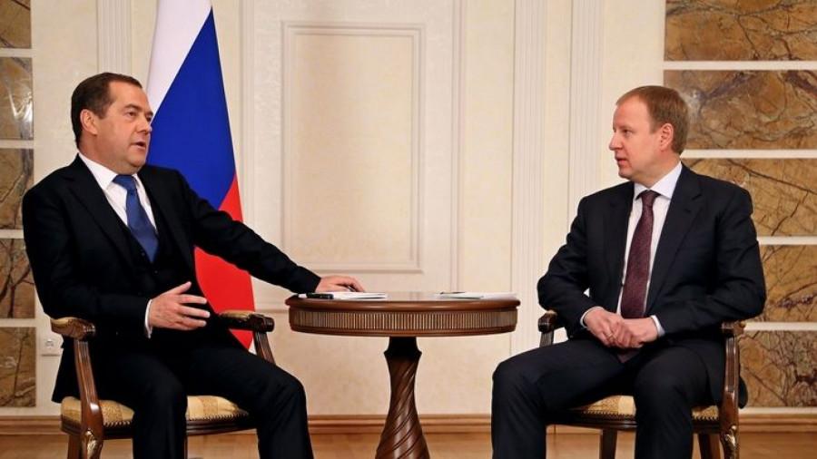 Дмитрий Медведев встретился с губернатором Алтайского края Виктором Томенко.
