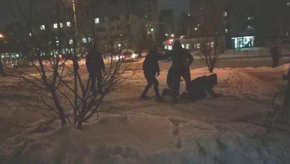 Ночная драка в Барнауле.