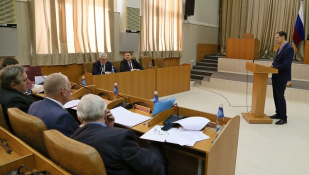 «Тест на компетентность» провели для чиновников администрации губернатора Алтайского края