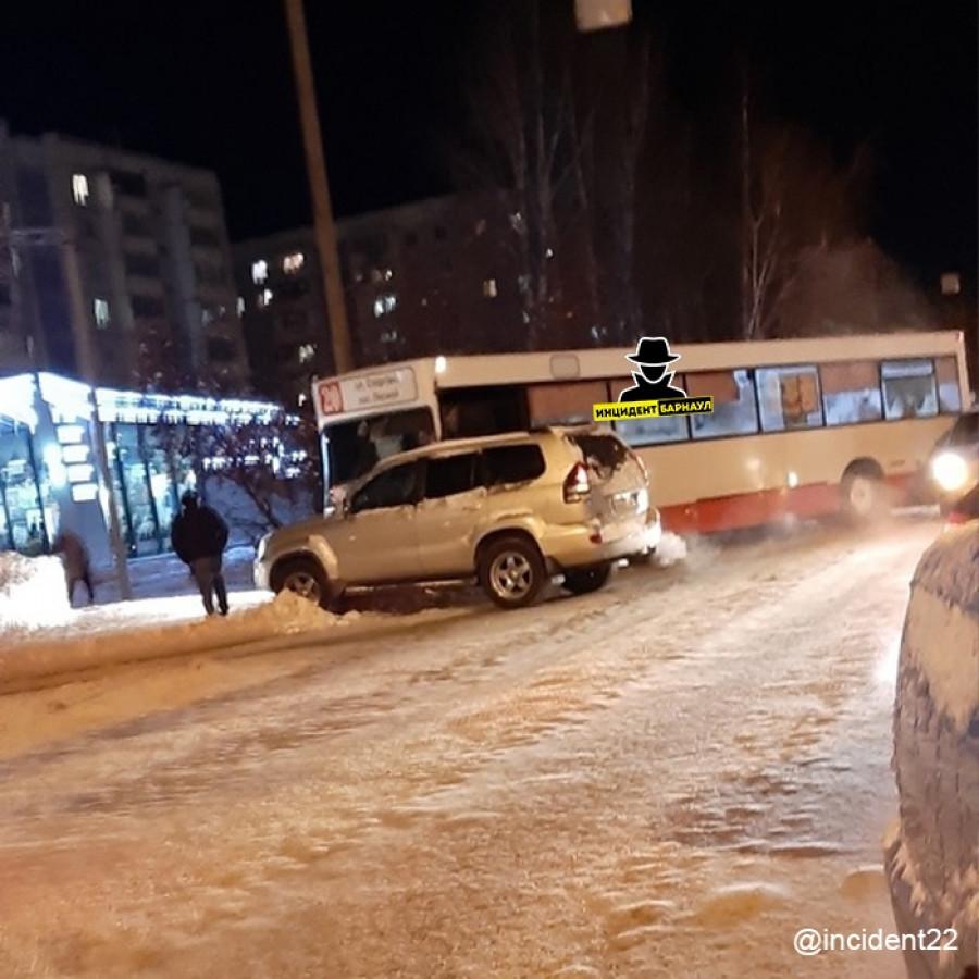 ДТП на ул. Попова.