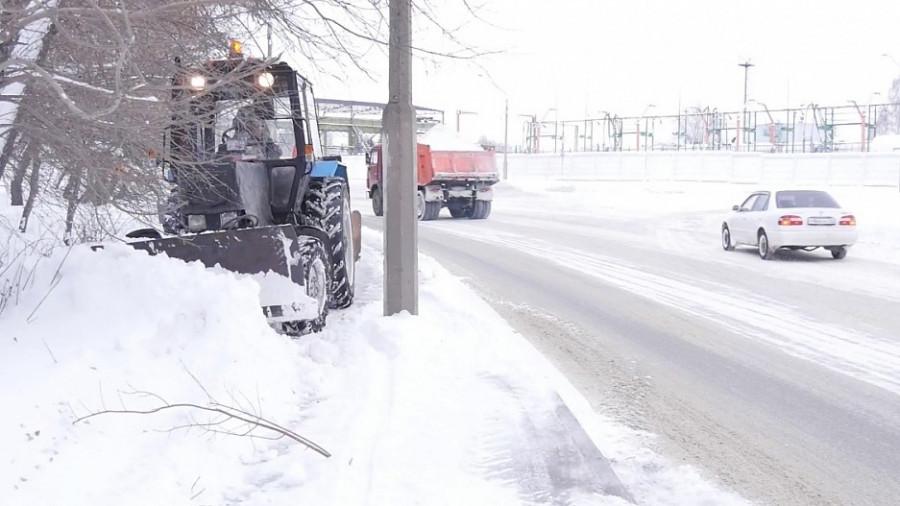 Уборка снега в Барнауле  19 ноября.