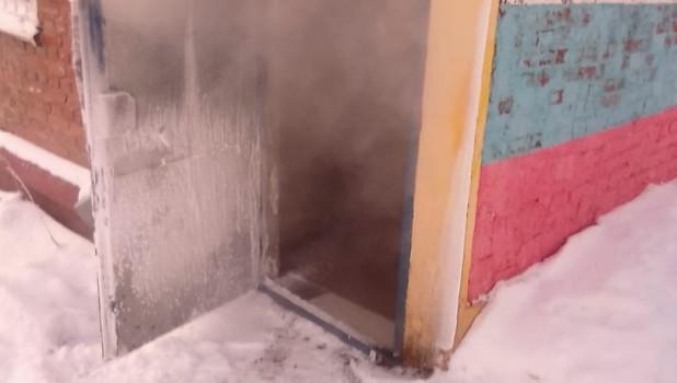 Последствия коммунальной аварии в Барнауле.