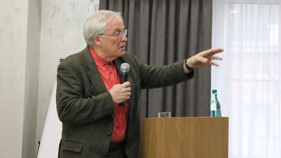 Валерий Крюков.