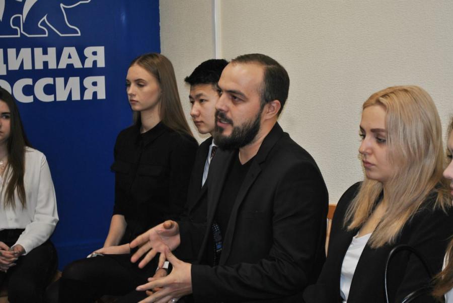 В День рождения «Единой России» партийцы встретились со студентами Барнаула