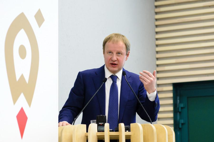 Виктор Петрович Томенко.