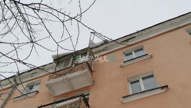 Опасный дом на пр. Ленина.