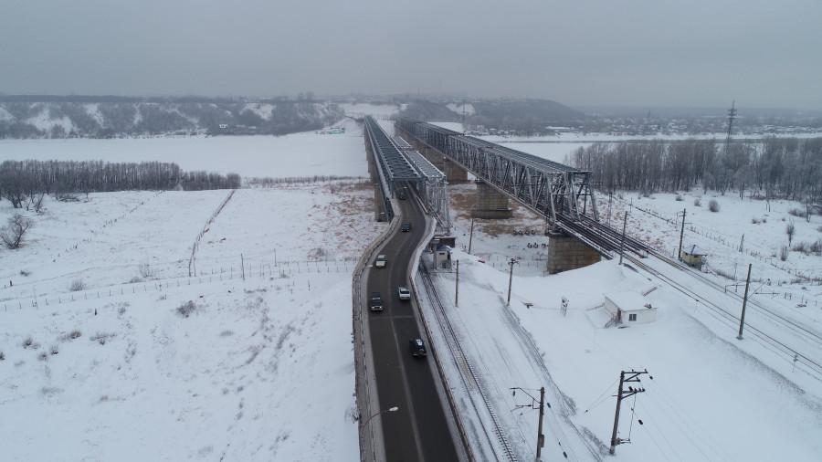 Старый мост в Барнауле зимой.