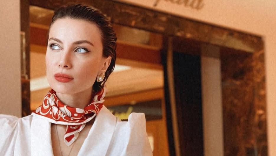 Модная укладка. Красивая женщина. Тако Чхеидзе.