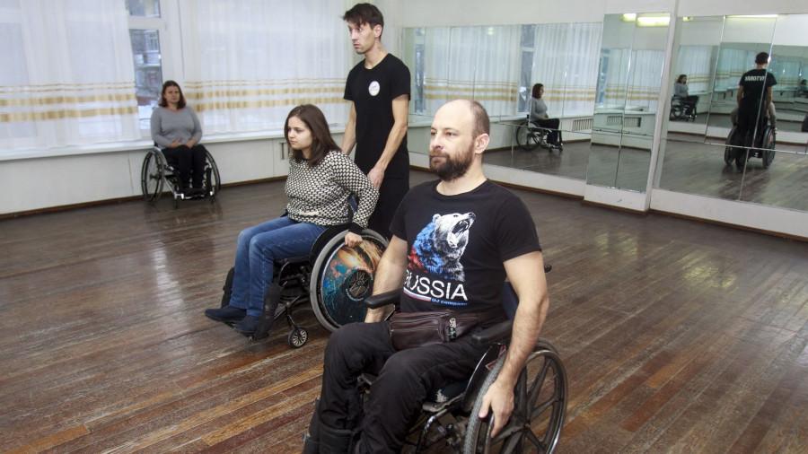 """Творческая лаборатория """"БеZпредельные танцы""""."""