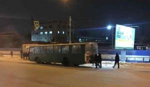 Троллейбус сломался. Новосибирск.