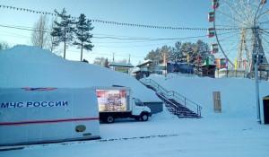 Алтайские спасатели подготовили барнаульцам новогодние сюрпризы.