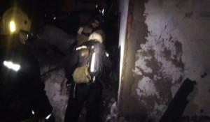 Последствия пожара в доме на улице Пивоварской.