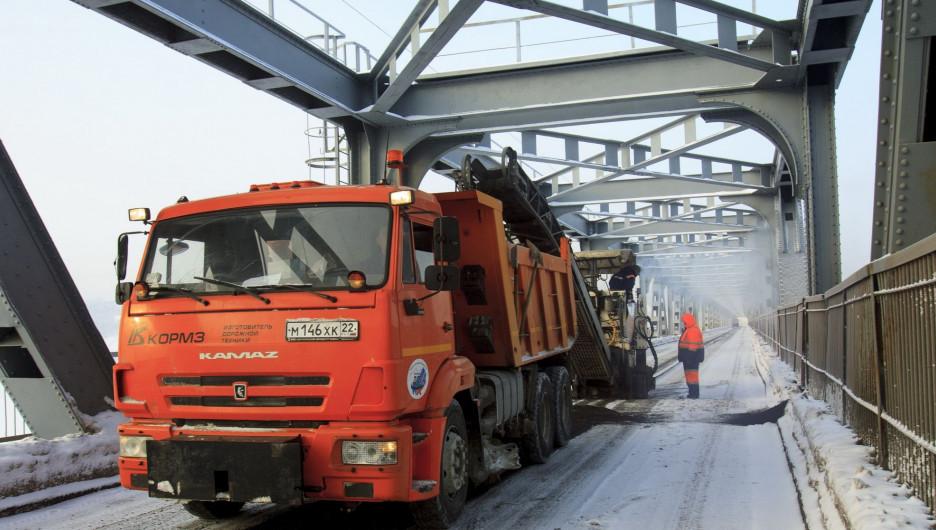 Ремонт Старого моста 10 января в Барнауле.