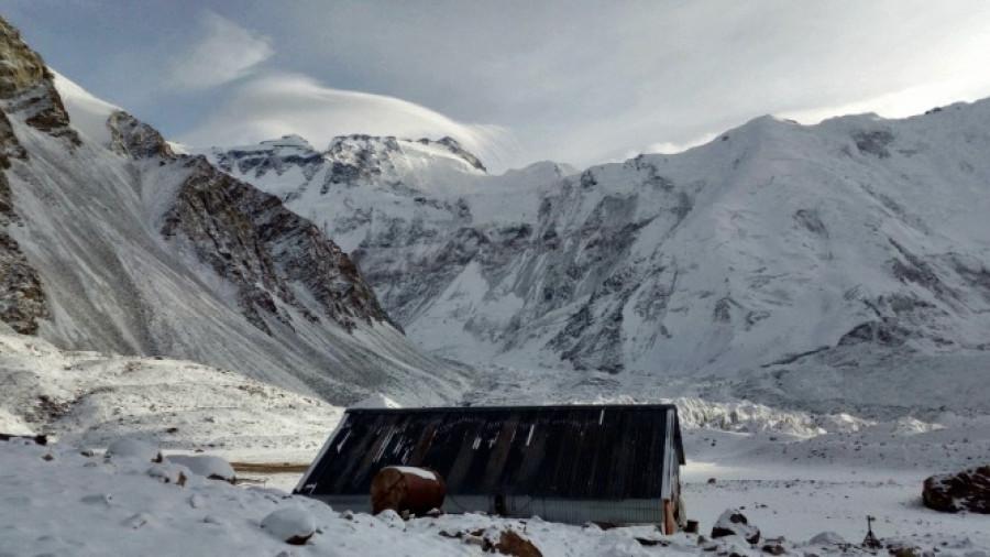 Базовый лагерь альпинистов команды.