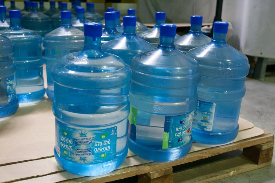 Вода  «Алтайский источник».