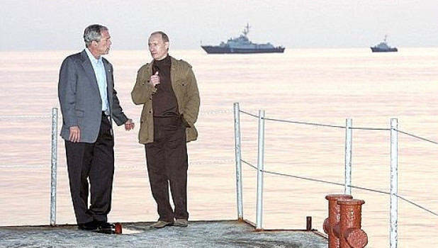 Владимир Путин с президентом США Джорджем Бушем, апрель 2008.