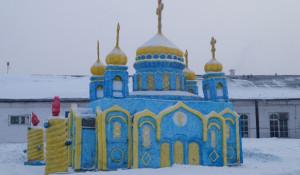 Храм Христа Спасителя из снега. Кузбасс.