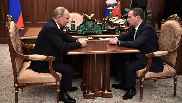 Новая легитимность и транзит власти: почему Медведев и правительство ушли в отставку