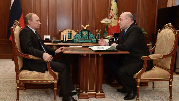 Путин предложил на пост премьер-министра главного налоговика страны