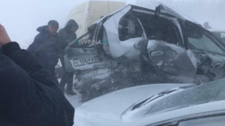 Массовое ДТП на трассе Барнаул - Павловск.