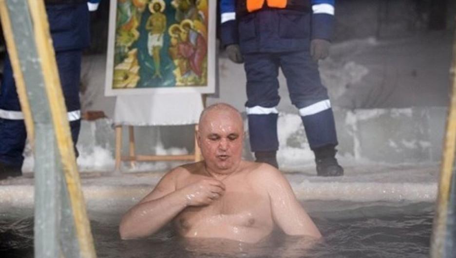 Глава Кузбасса Сергей Цивилев в проруби.